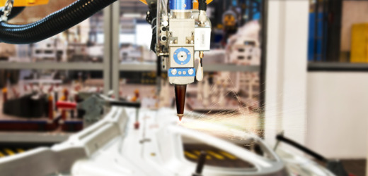 UCRT优才机器人三维激光切割机优势